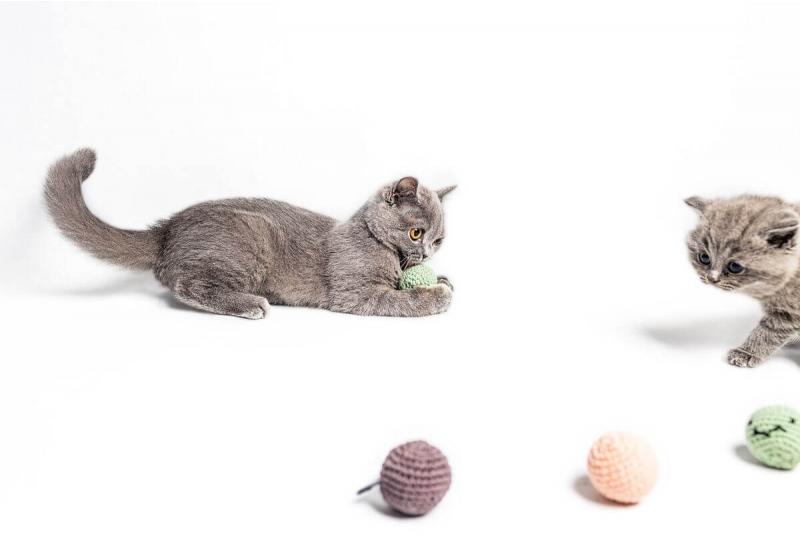 Crochet balls PING PONG green