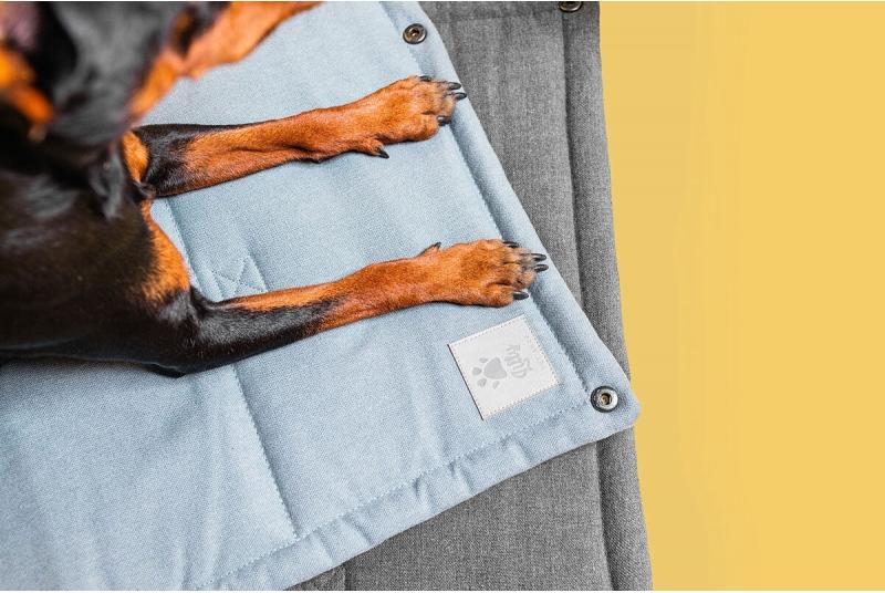 HAMPTONS dog or cat travel mat - brown