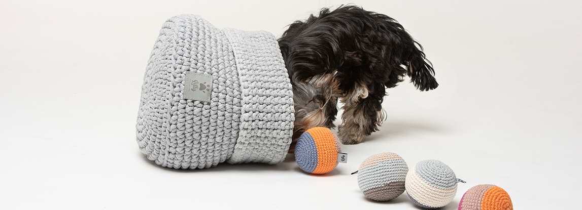 Dog toys basket - a practical gadget and a designer addition to your home interior